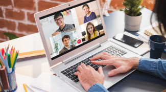 The online workforce and the importance of fiber optic connection